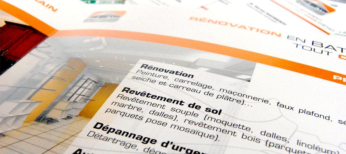 Infographiste indépendant, création et mise en page de plaquettes commerciales dépliant 2 volets rénovation bâtiment