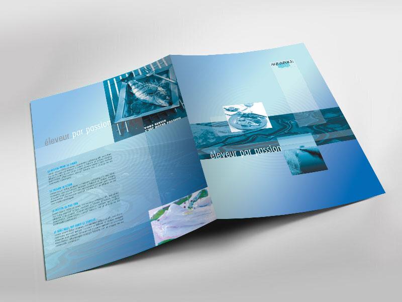 Infographiste indépendant, création et mise en page de plaquettes commerciales dépliant 2 volets, éleveur de poissons