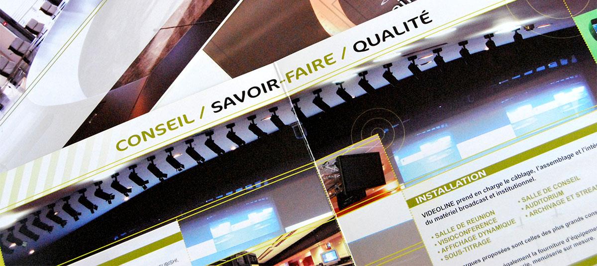 Infographiste indépendant, création et mise en page de plaquettes commerciales 3 volets pour de l'installation vidéo