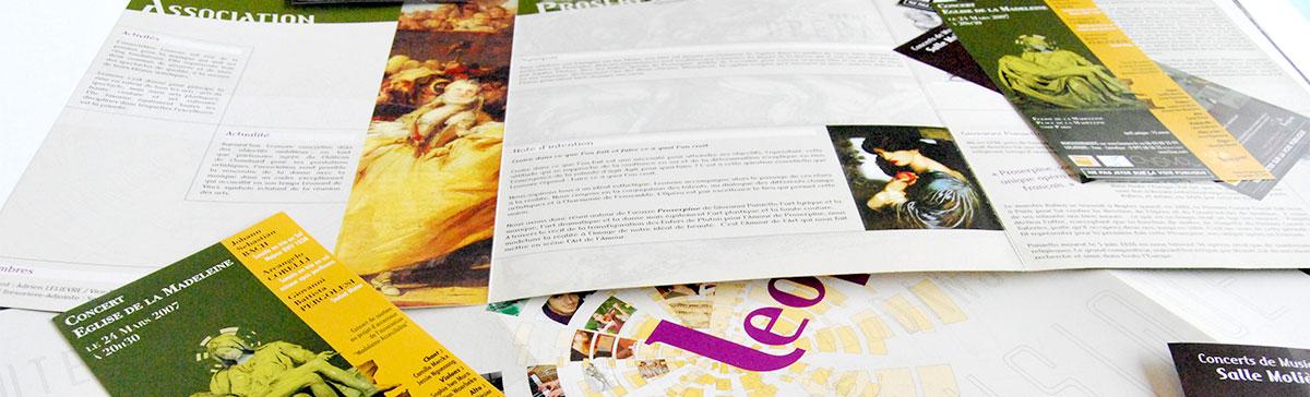 Infographiste indépendant, création et mise en page de plaquettes commerciales 3 volets musique et théâtre