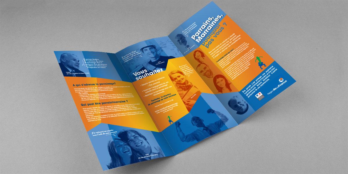 Infographiste indépendant, création et mise en page de plaquettes commerciales dépliant 3 volets emploi