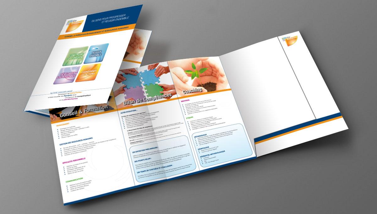 Infographiste indépendant, création et mise en page de plaquettes commerciales dépliant 3 volets formation