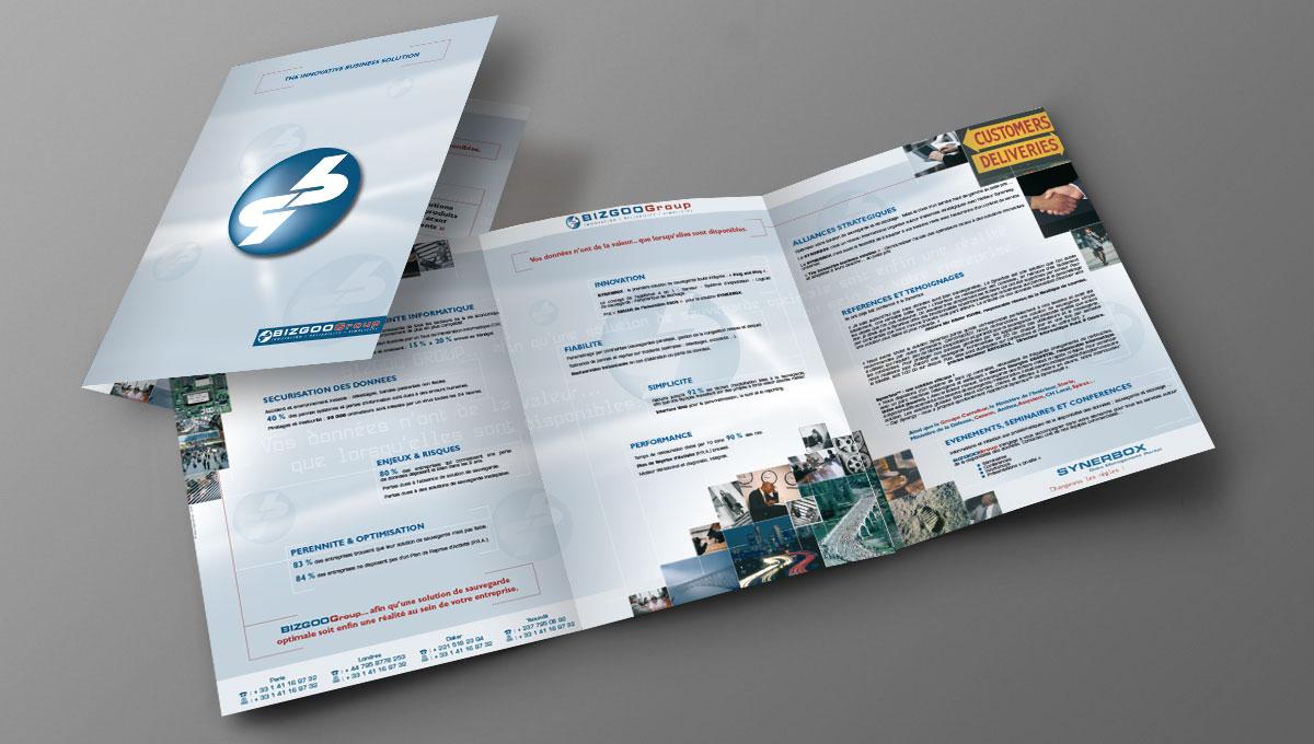 Infographiste indépendant, création et mise en page de plaquettes commerciales dépliant 3 volets informatique