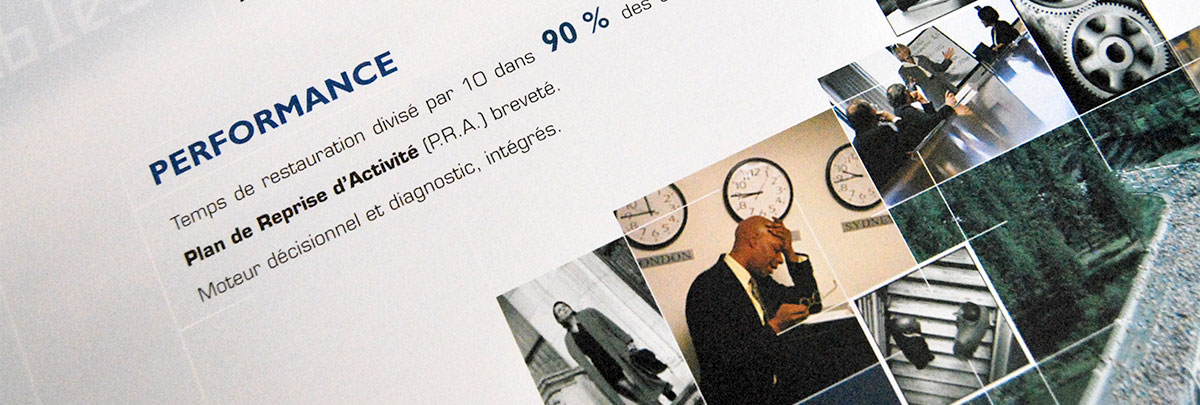 Infographiste indépendant, création et mise en page de plaquettes commerciales dépliant 3 volets, serveurs